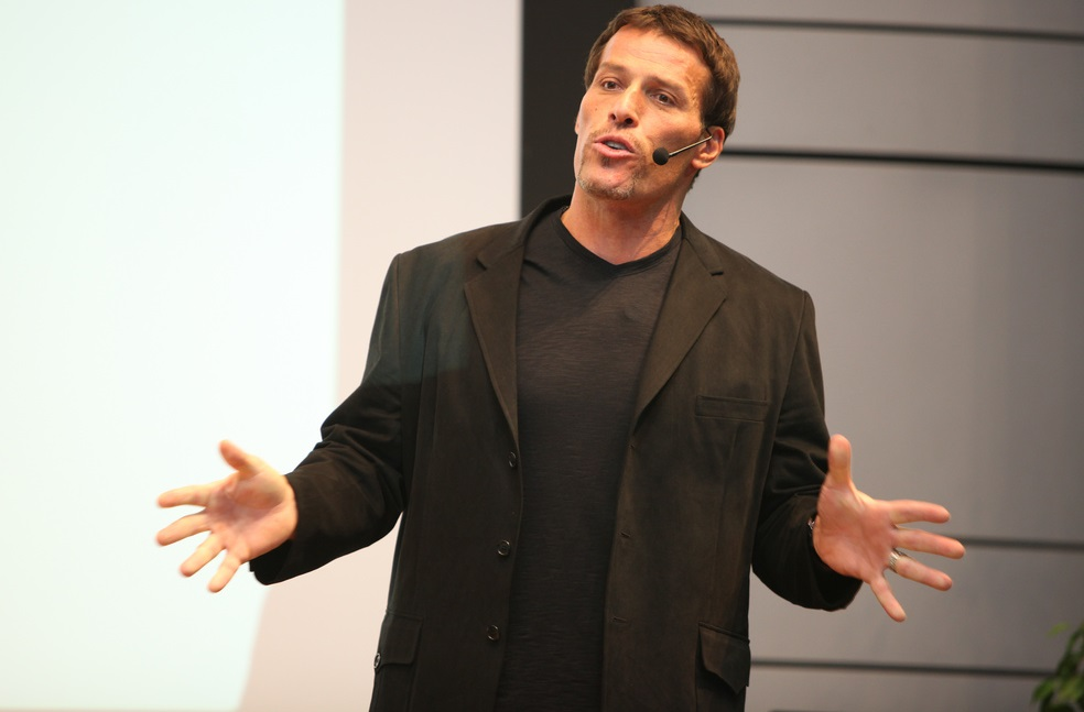 Tony Robbins motivating bio
